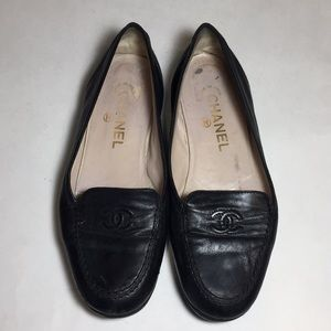 CHANEL Black Leather Flats Size 35 1/2 READ
